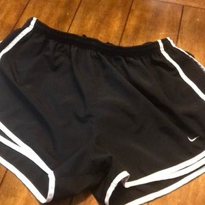Black nike dri fit shorts L